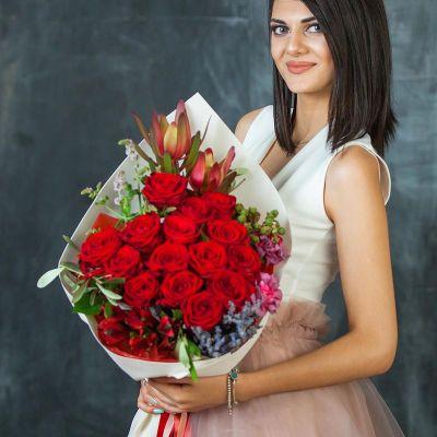 Букет роз с лавандой Для нее и для него. Серия Магия любви