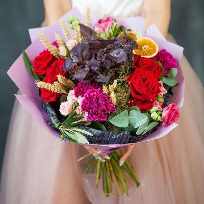 Букет с розами, пшеницей и базиликом. Серия Магия денег