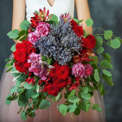 Букет из лаванды и роз Море страсти. Серия Магия любви