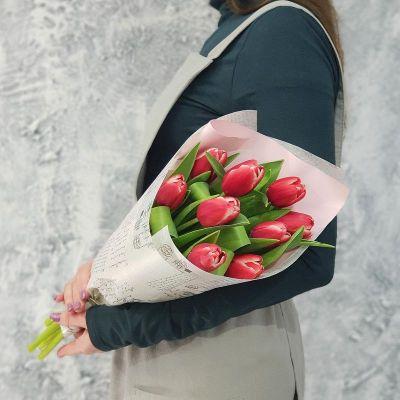 Букет из тюльпанов в упаковке