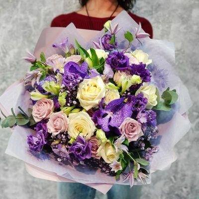 Большой синий букет с орхидеей ванда