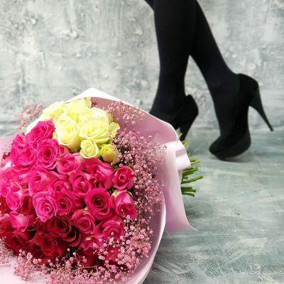 Оригинальный букет из 55 роз
