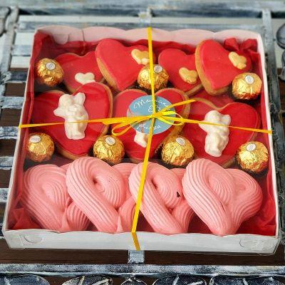 Большой подарочный набор сладостей от пекарни Хлебного Ангела