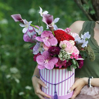 Стильная коробка с орхидеей. Серия Магия желаний